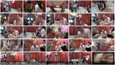 Femdom - The selecting shit-eater [scat-movie-world / 1.58 GB] FullHD 1080p (Scatting, Domination)