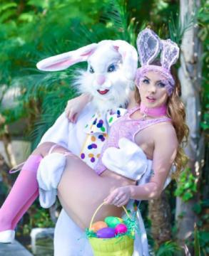 Summer Brooks - Mini Easter Bunny Babe Gets Slammed (2018) FullHD 1080p