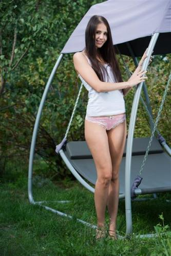 Well endowed naked woman pictures