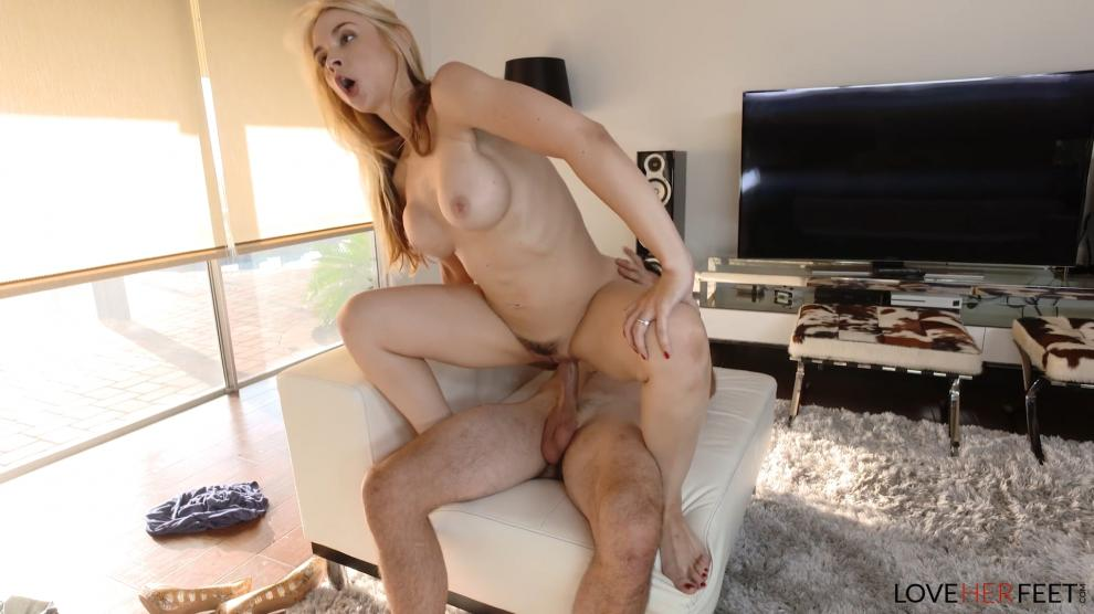 [LoveHerFeet.com] Sarah Vandella - I Caught My Stepson Sniffing My Heels (10.08.2018) [All Sex, Blowjobs, Foot Fetish, 1080p]